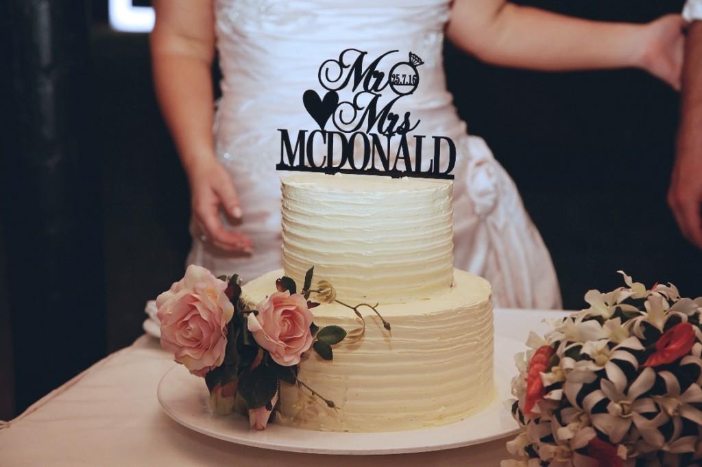 wedding cake and flower decoration (cake flowers by Aleisha Renee Everlasting Flowers)